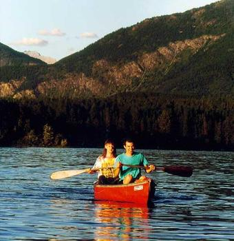 Canoeing at Lake Five Resort