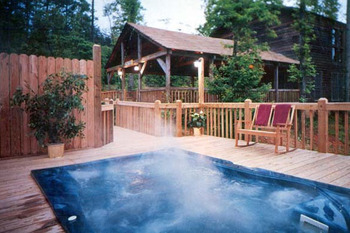 Outdoor pool at Mountain Hideaway Resorts.