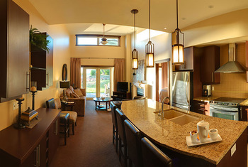 Suite kitchen at Sunrise Ridge Resort.