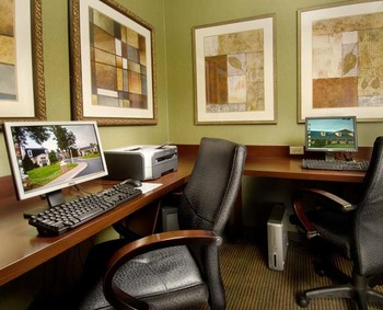 Business Center at Holiday Inn Leesburg