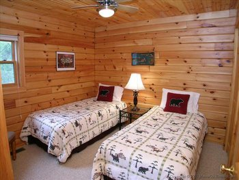 Two Twin Room at Golden Anchor Cabins