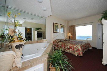 Jacuzzi suite at Legacy by the Sea.