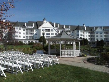Outdoor Wedding at The Osthoff Resort