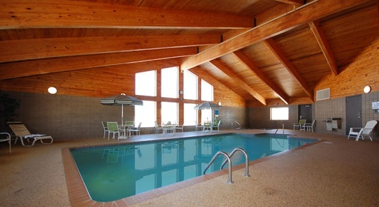 Indoor swimming pool at AmericInn Lodge & Suites Two Harbors.