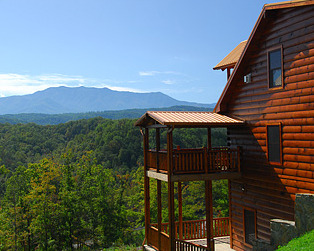 Exterior cabin rental at Timber Tops Rentals.