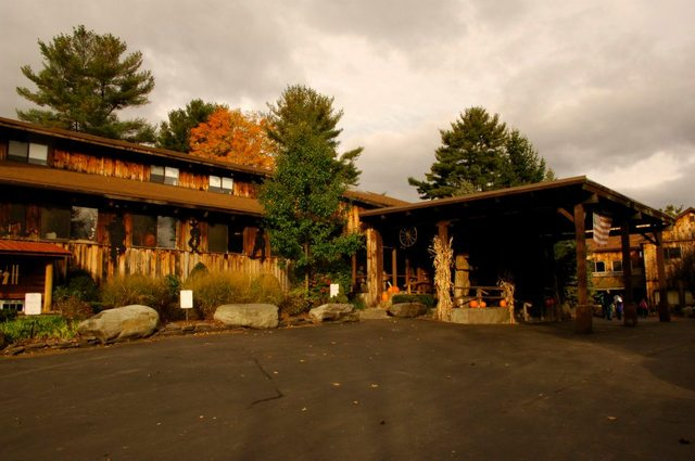 Exterior View of Pinegrove Ranch