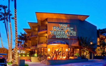 Exterior view of Pacific Terrace Hotel.