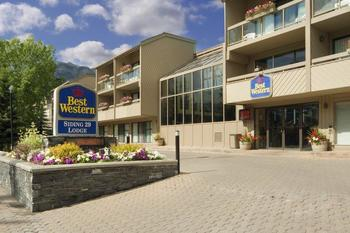 Exterior view of Best Western PLUS Siding 29 Lodge.