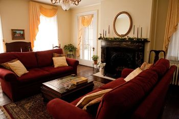 Living Room at Holladay House Bed & Breakfast