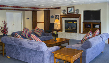 Suite living room at Delavan Lake Resort.