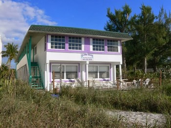 Exterior view of Island House On The Beach.