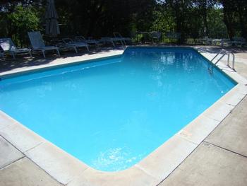 The pool at Uncle Gus Lodge & Marina.