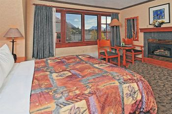 Guest room at Banff Ptarmigan Inn.