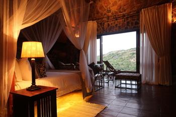 Guest room at Big Cave Camp.