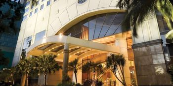 Exterior view of Holiday Inn Crowne Plaza Jakarta.
