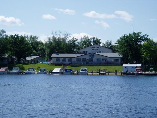 Ballard 39 s resort baudette mn resort reviews for Lake of the woods fishing resorts