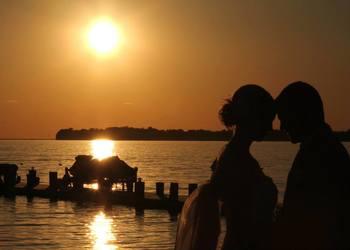 Couple at Appeldoorn's Sunset Bay Resort.