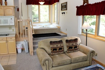 Suite interior at Sunnyside Knoll Resort.