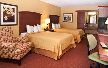 Double guest room at Rosen Inn International.