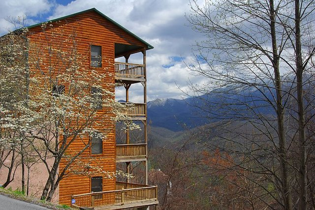Timber tops luxury cabin rentals sevierville tn for Luxury cabin rentals in gatlinburg tn