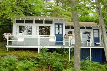Cabin exterior at Linekin Bay Resort.