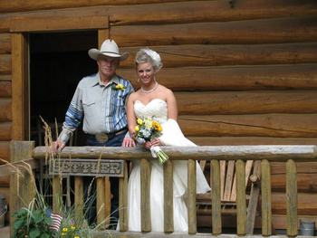 Wedding couple at Western Pleasure Guest Ranch.