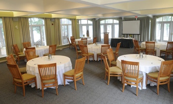 Dining room at Sherwood Inn.