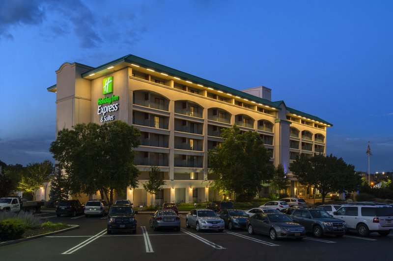 Exterior View of Holiday Inn Express & Suites King of Prussia