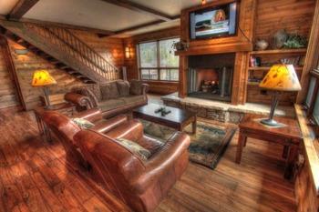 Vacation rental living room at SkyRun Vacation Rentals - Copper Mountain.