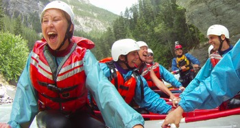 River rafting at Johnston Canyon Resort.