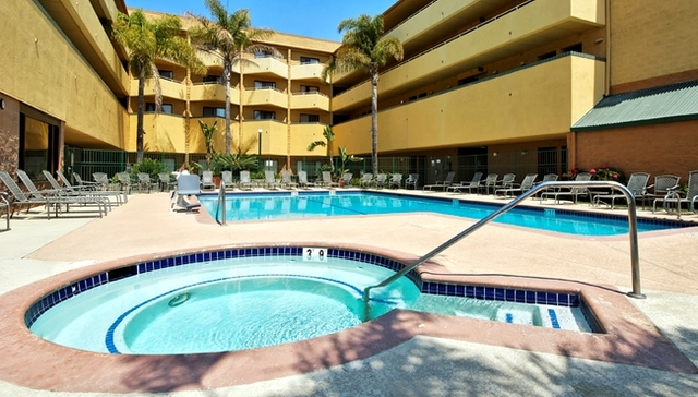 Inviting Anaheim, CA Hotel – Best Western PLUS Stovall's Inn