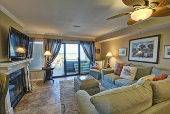 Vacation rental living room at Intracoastal Realty.