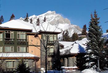 Exterior view of Delta Banff Royal Canadian Lodge.