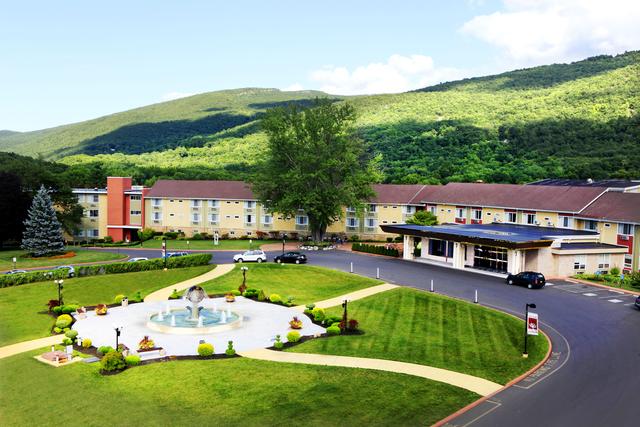Honor's Haven Resort & Spa (Ellenville, NY) - Resort ...
