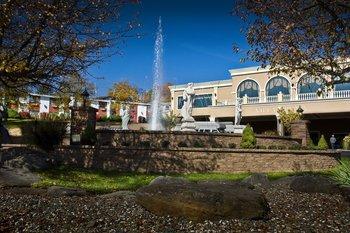 Resort view at Villa Roma Resort.