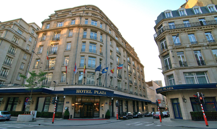Exterior view of Hotel Le Plaza.
