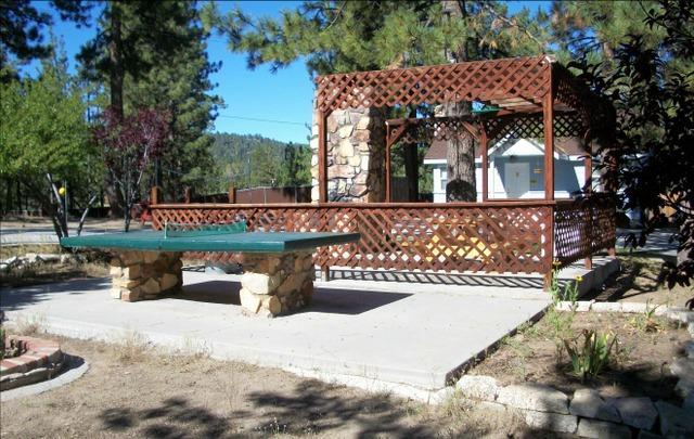 Blue Horizon Lodge (Big Bear Lake, CA)