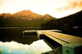 The dock at Mount Robson Inn.
