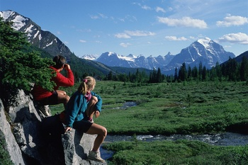Hiking at Mountaineer Lodge.