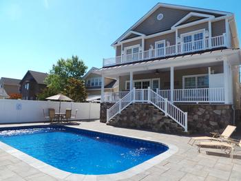 Rental pool at Ward-Realty.