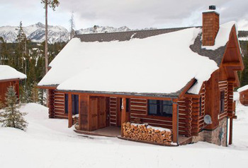 Cabin rental at Big Sky Vacation Rentals.