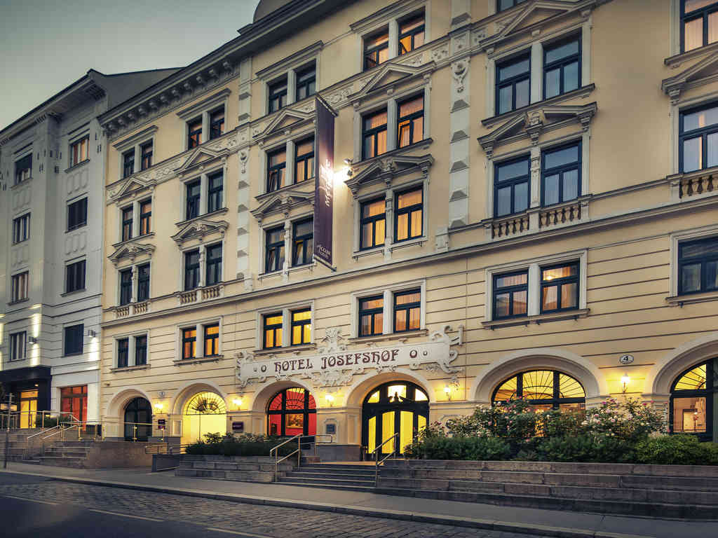 Exterior view of Hotel Josefshof.