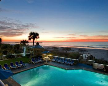 Outdoor pool at Ocean Isle Inn.