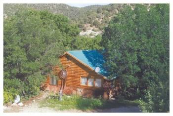 Cabin at Windwhisper Cabin - Bed & Breakfast.