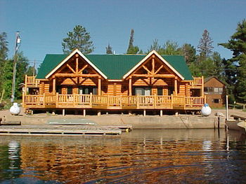 Exterior view of Voyageurs Landing Resort.