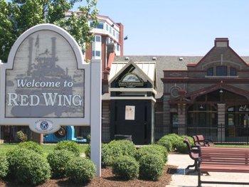 Tourist center near Nichols Inn & Suites.