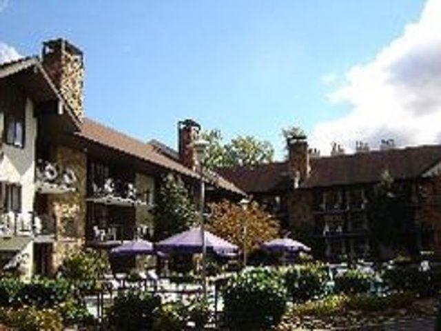 River edge gatlinburg hotel gatlinburg tn resort for River motor lodge pigeon forge