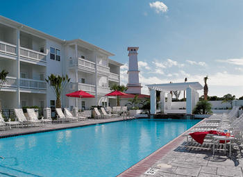 Outdoor pool at The Lighthouse Inn at Aransas Bay.