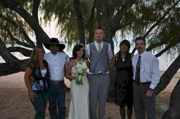 Wedding family at Willow Point Resort.