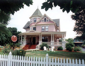 Exterior View of White Lace Inn